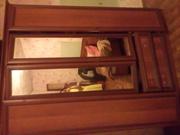 Продам спальный гарнитур в хорошем состоянии. Кровать, шкаф и тумба
